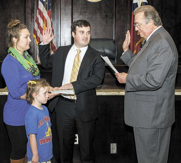 Brad Elrod sworn in as attorney