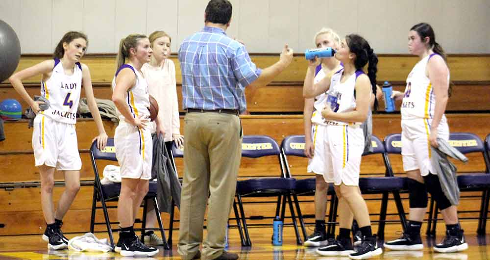 Lady Jackets go 1-1 in tournament
